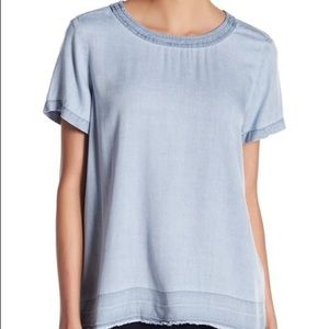 NWT Two by Vince Camuto Faded Chambray Tee